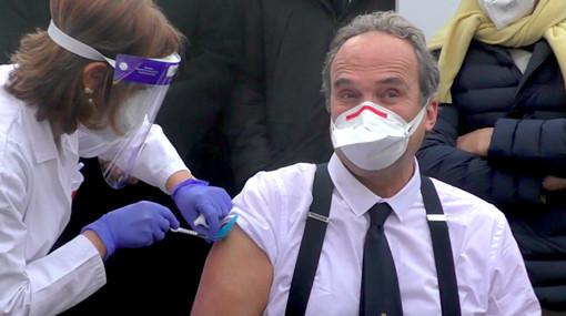 Il professor Giovanni Di Perri, primo vaccinato anti-Covid in Piemonte