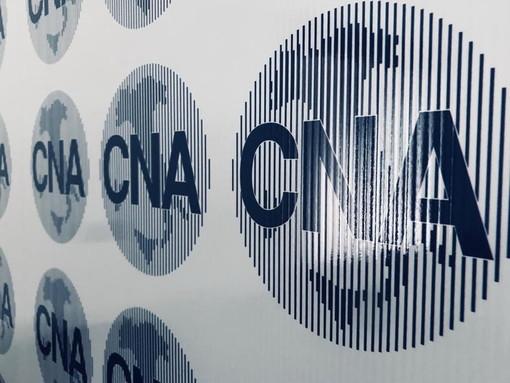 Pannello con la scritta Cna