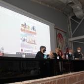 convegno Cgil con relatori al tavolo