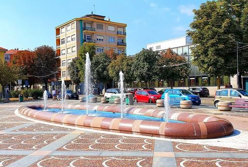fontana al centro di una piazza