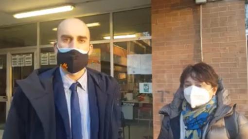 Il sindaco di Venaria, Fabio Giulivi e la dirigente scolastica Anna Civarelli