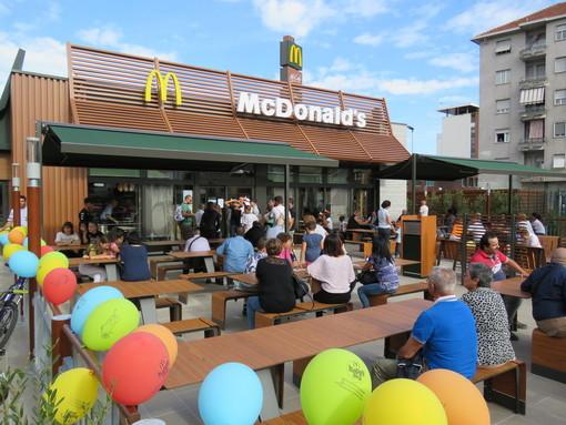 Il McDonald's di Settimo, il giorno dell'inaugurazione