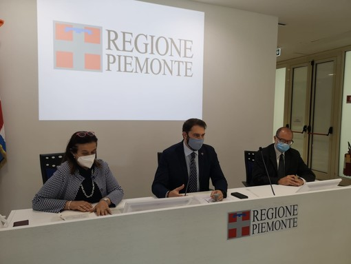 Al centro l'assessore Maurizio Marrone
