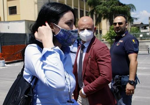 """La ministra Azzolina assicura: """"Le scuole uno dei luoghi più sicuri, bisogna evitare gli assembramenti fuori"""""""