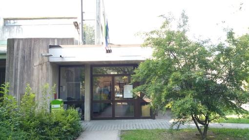 L'ingresso della scuola Romero di Venaria